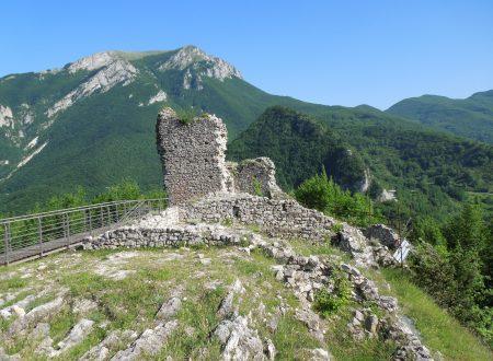 Macchia da Sole e Castel Manfrino: dove storia e leggenda si incontrano