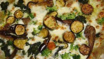 """Silvi (Te): """"Gli Antenati"""" e la pizza a """"pasta verde"""" di spinaci"""