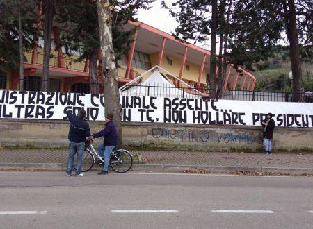 Francavilla Calcio: gli Ultras appoggiano con uno striscione la protesta del Presidente contro il Comune