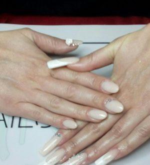 Chieti: la manicure per l'abito da sposa