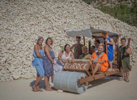 """Lettomanoppello: venerdì 31 agosto ritorna """"Lectrock"""", tanto divertimento con i Flintstones nella città della pietra della Maiella"""