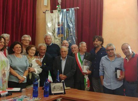 """Castel del Monte: intervista a Lia Di Menco premiata con """"La Valigia di Cartone"""""""
