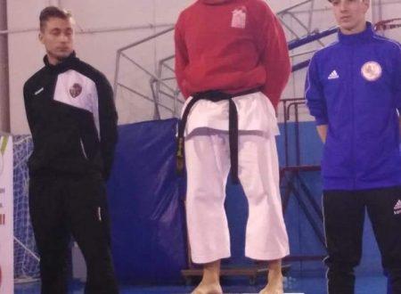San Salvo: il karateka Stefano Blasioli della Top Master di Lettomanoppello vince la semifinale del VI Trofeo InterRegionale Csen di Karate.do, categoria Open Misto