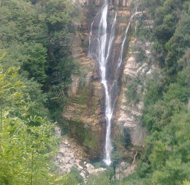 Borrello: Cascate del Verde, discesa e ascesa verso l'infinito