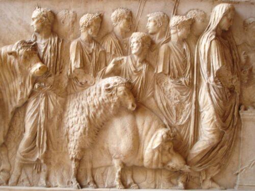 """Il sacrifico del maiale, antico """"rito"""" dei Saturnalia nella tradizione contadina"""